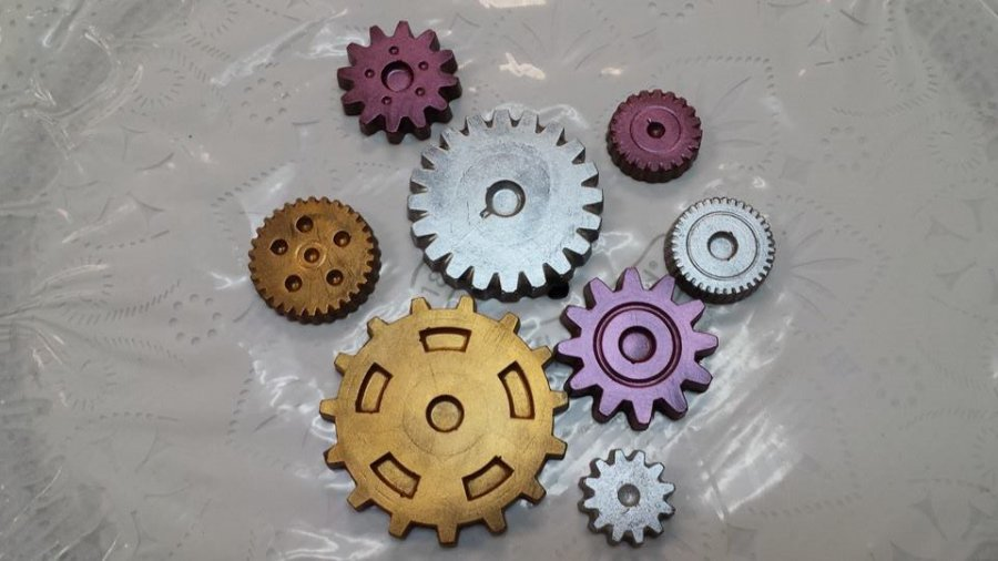 "Make Chocolate Gear Treats For Your ""Steampunk"" Party"