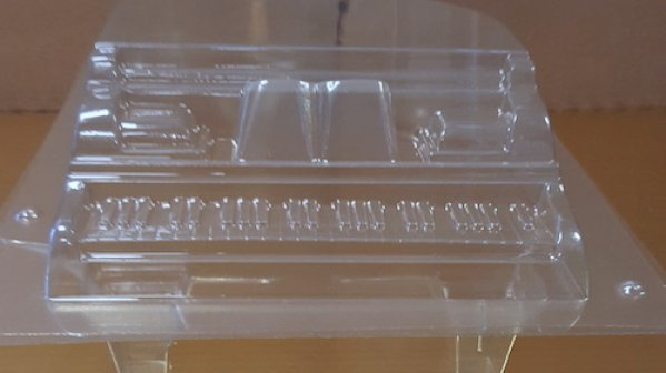 """New """"Arrivals"""": Piano Mold, Soft Caramel, Gold Sugar Crystals"""